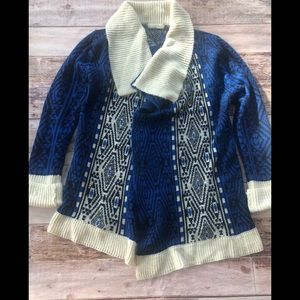 Elodie drape front sweater size L